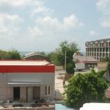 Вид из окна гостевого дома в Лоо